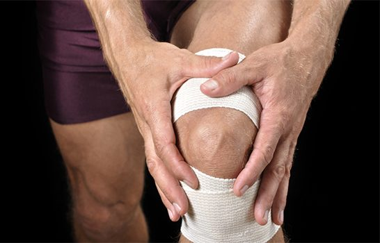 osteo male knee pain IS000023210761XSmall